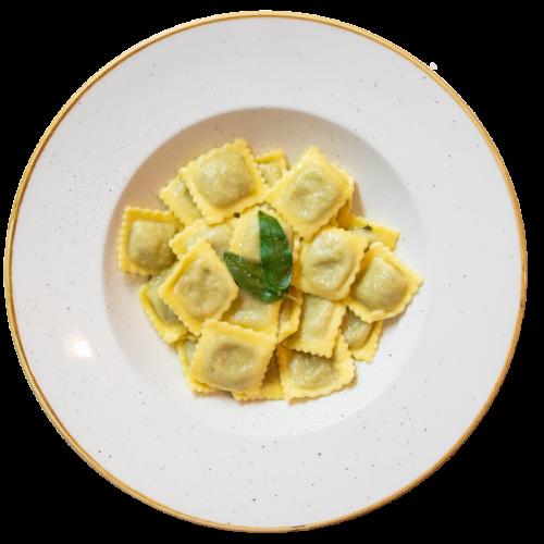 Ravioli di carciofi e parmigiano al burro e salvia del Ristorante Campanarò di Asti